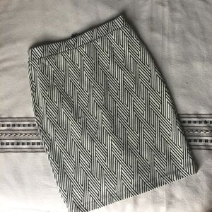 EUC Banana Republic Woven Pencil Skirt